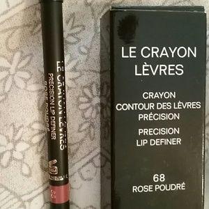 705e8b76 Chanel Le Crayon Levres Lip Precision Definer NWT